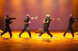 D' La Funky es una de las agrupaciones con propuestas más sólidas a nivel de danza escénica urbana de los últimos tiempos FOTO: ARTURO MORENO