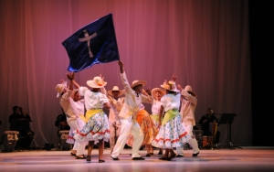 La Fundación Compañía Nacional de Danza presentará a sus dos elencos en El Ávila para celebrar el asueto FOTO: JAVIER GRACIA
